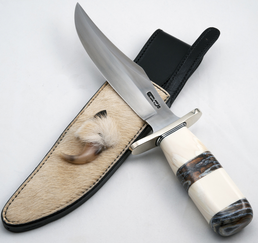 Bear Bowie Unique Handle Image